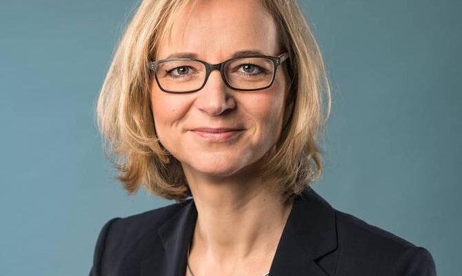 Katja Wolf, sindaca di Eisenach rifiuta di stringere la mano ai neonazisti