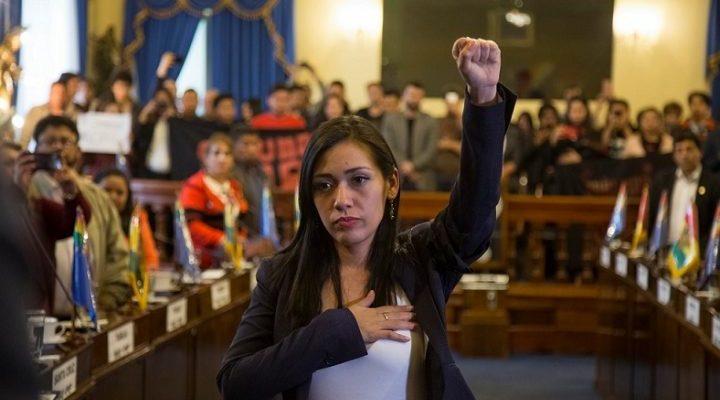 Adriana Salvatierra ha assunto la presidenza della Camera dei Senatori, in Bolivia
