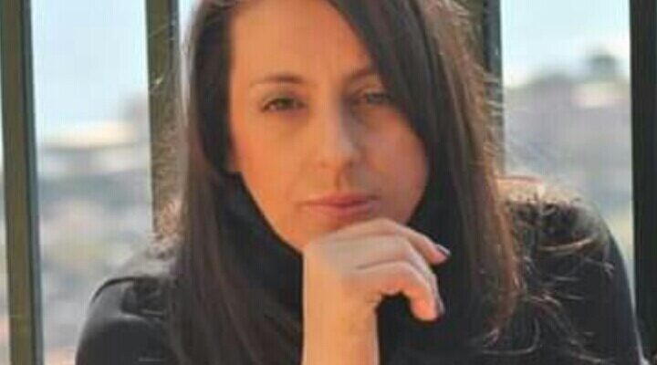 Barbara Bartolotti era incinta quando è stata colpita con martellate, coltellate e poi bruciata da un collega che non accettava il suo rifiuto.