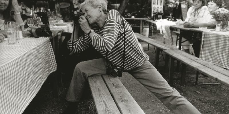 Inge Morath è stata la prima fotoreporter a entrare nella storica agenzia Magnum.