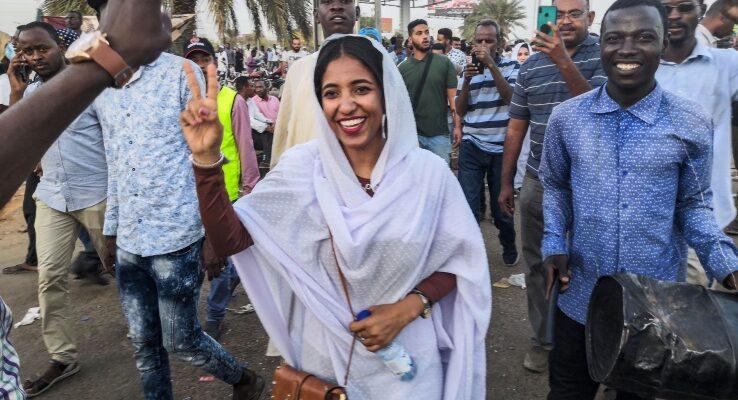 Alaa Salah, la studente simbolo delle proteste in Sudan