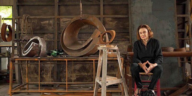 Beverly Pepper, la scultrice americana della Land Art, è appena scomparsa a Todi.