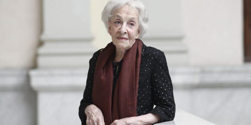 Ida Vitale è poeta uruguaiana insignita del Prémio Miguel de Cervantes, Nobel spagnolo per la letteratura