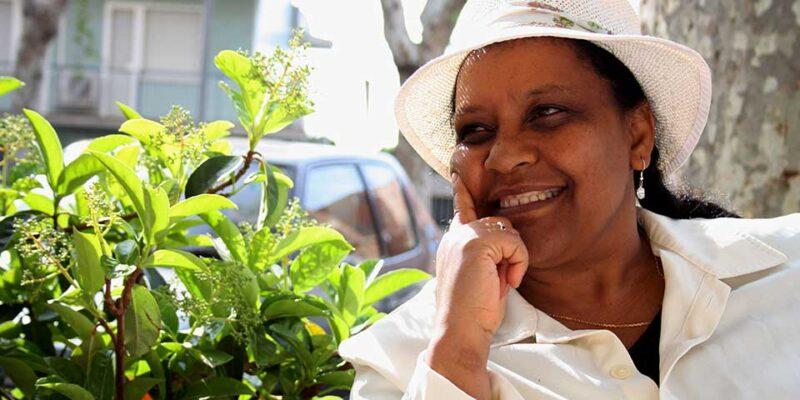 Ribka Sibhatu scrittrice eritrea imprigionata per aver rifiutato di sposare un generale