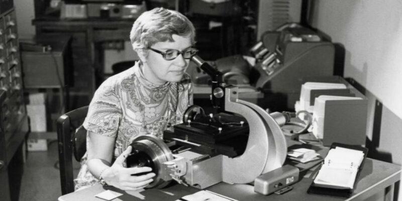 Vera Rubin, la signora delle stelle, ha scoperto la materia oscura