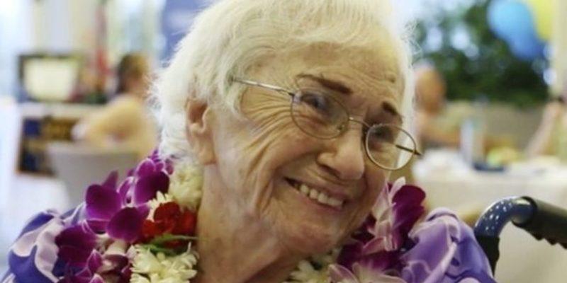Amy Craton 94 anni una delle più anziane laureate del mondo