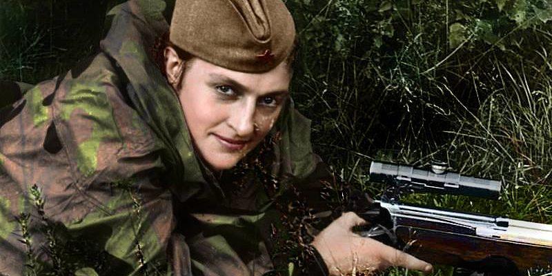 Lyudmila Pavlichenko, soprannominata Lady Death, la prima cecchina della storia