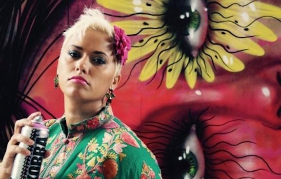 Panmela Castro street artist brasiliana contro la violenza sulle donne