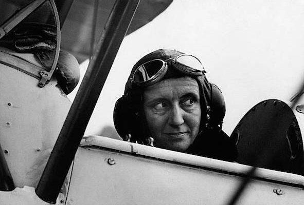 Fiorenza De Bernardi prima pilota di linea in Italia